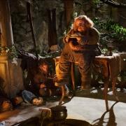 Nori y Bombur en la casa de Beorn
