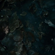 Bilbo se esconde de Gollum