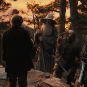 Bilbo habla a la compañía