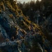 Los Enanos avanzan por las montañas